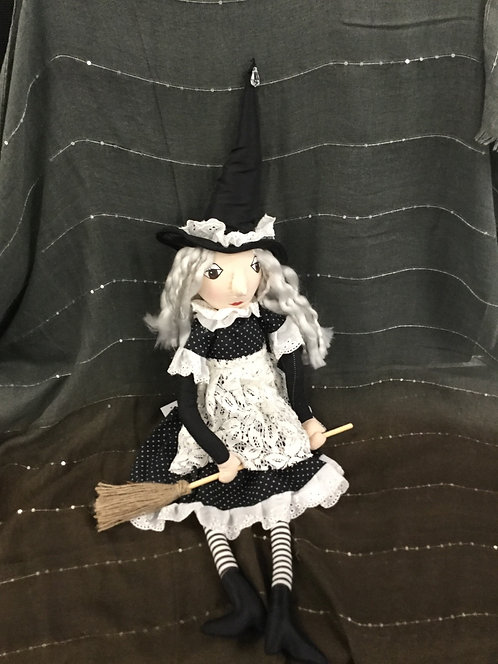 """LACEY KITCHEN WITCH 26"""""""