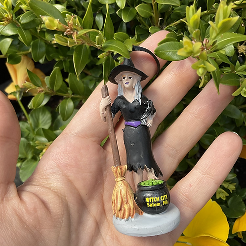 WITCH STATUE / ORNAMENT