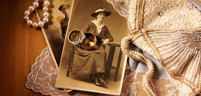 re-strings all pearls an beads