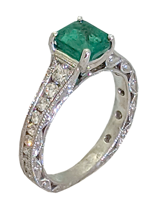 14K White Gold Vintage Style Ring with Emerald