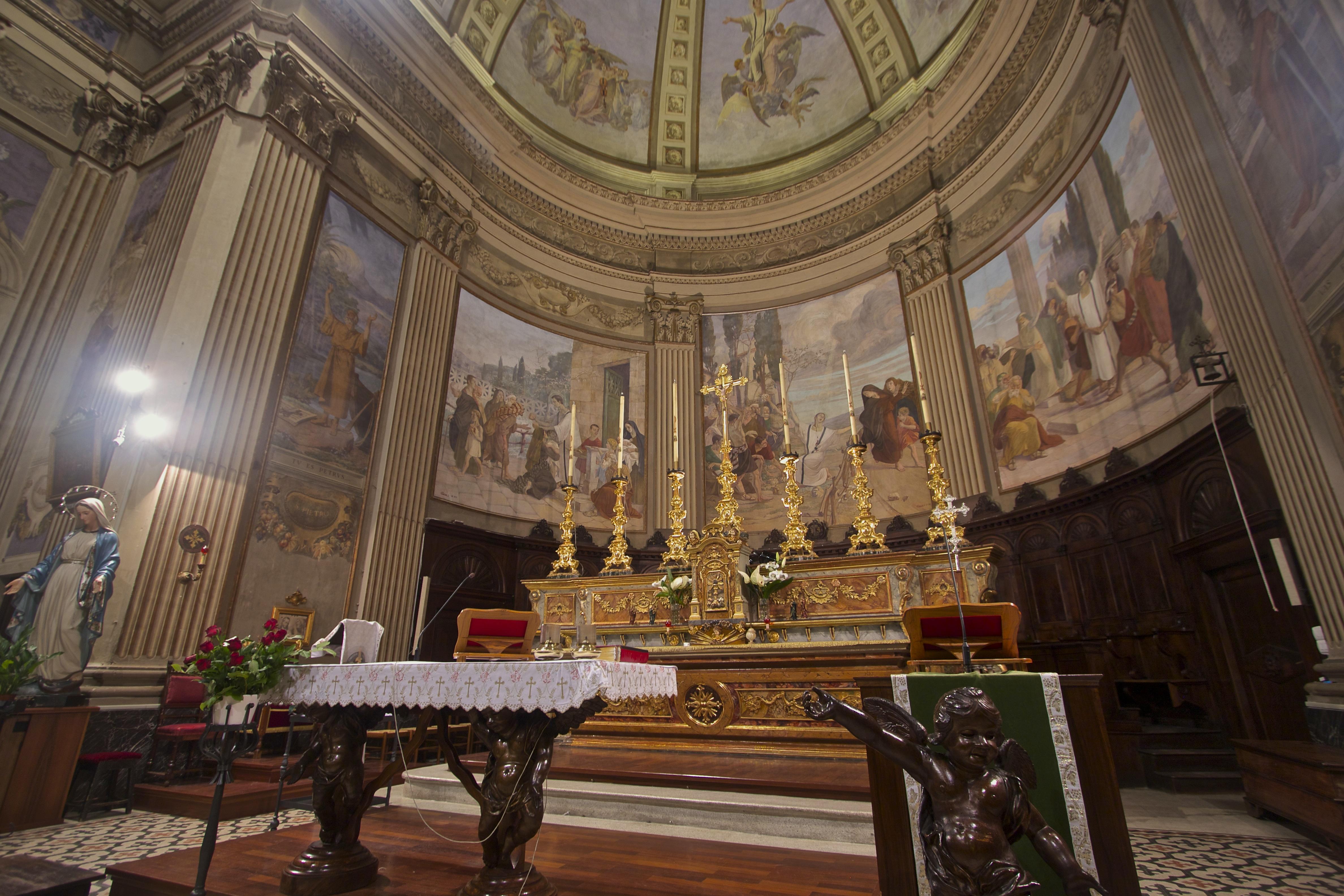Abside con affreschi di Ciro Pavisa