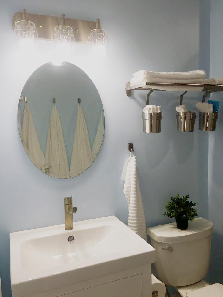 Sink_Mirror.jpg