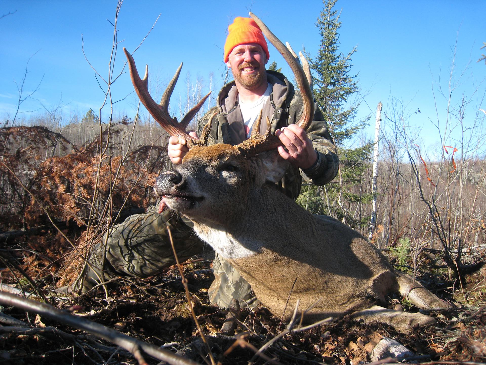 trophy deer hunt Ontario