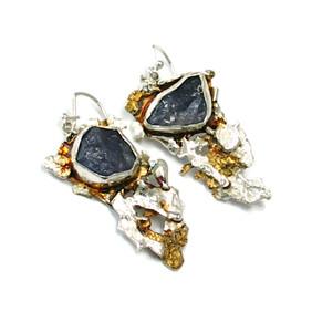 rough tanzanite earrings.JPG