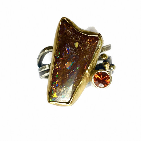 Ring with koroit opal and hess garnet in 18k gold and sterling