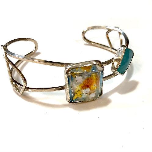 Cloisonné cuff bracelet with rose cut chrysoprase