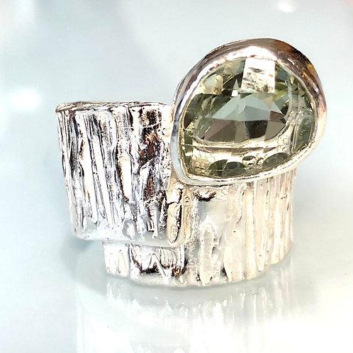Statement ring with green amethyst (prasiolite))