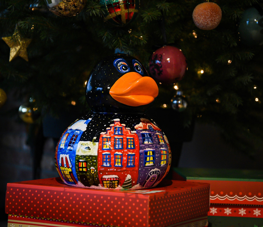 Unboxing Christmas Duck