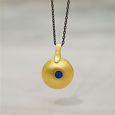 charms-necklace-gold-5729-low.jpg