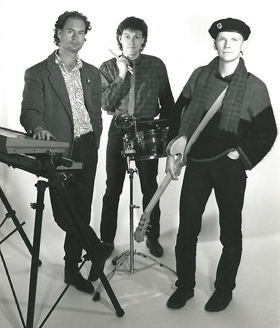 The Puppets-PhotoShoot_1986.jpg
