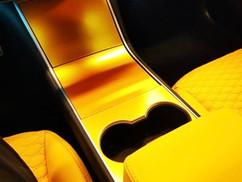 Tesla Model 3 Geel Interieur wrap