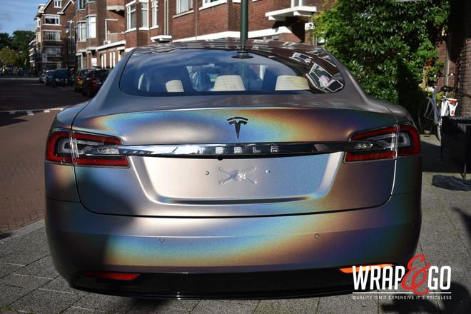 Tesla Model S 3M Psychedelic Wrap