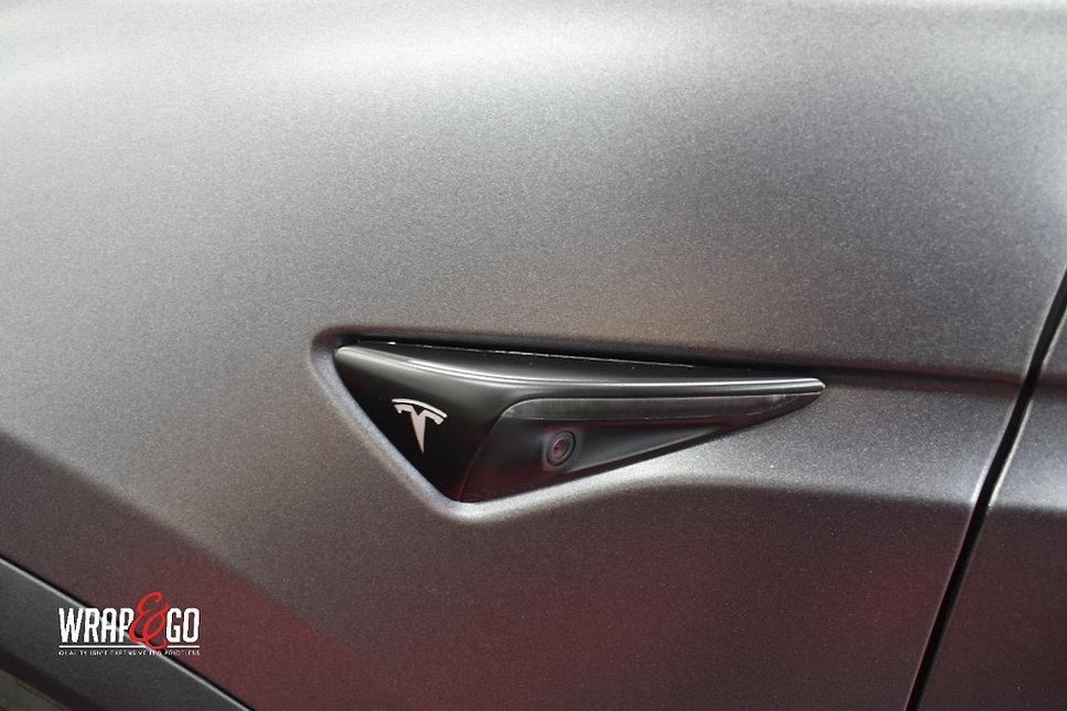 Tesla Model X Carwrap Dark Satin Grey Knipperlicht