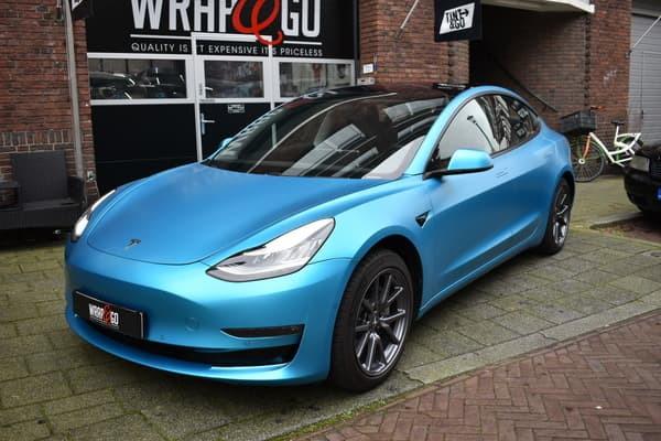 Tesla Model 3 3M Satin Ocean Shimmer Car
