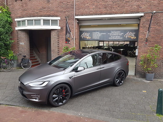 Carwrap Tesla Model X 3M Satin Dark Grey Autowrap