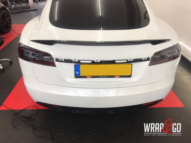 Wing Carbon Spoiler Tesla Model S (1).jp