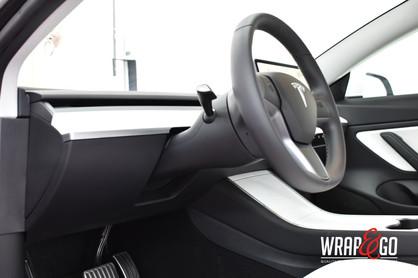 Tesla Model 3 Matte White interieur.jpg