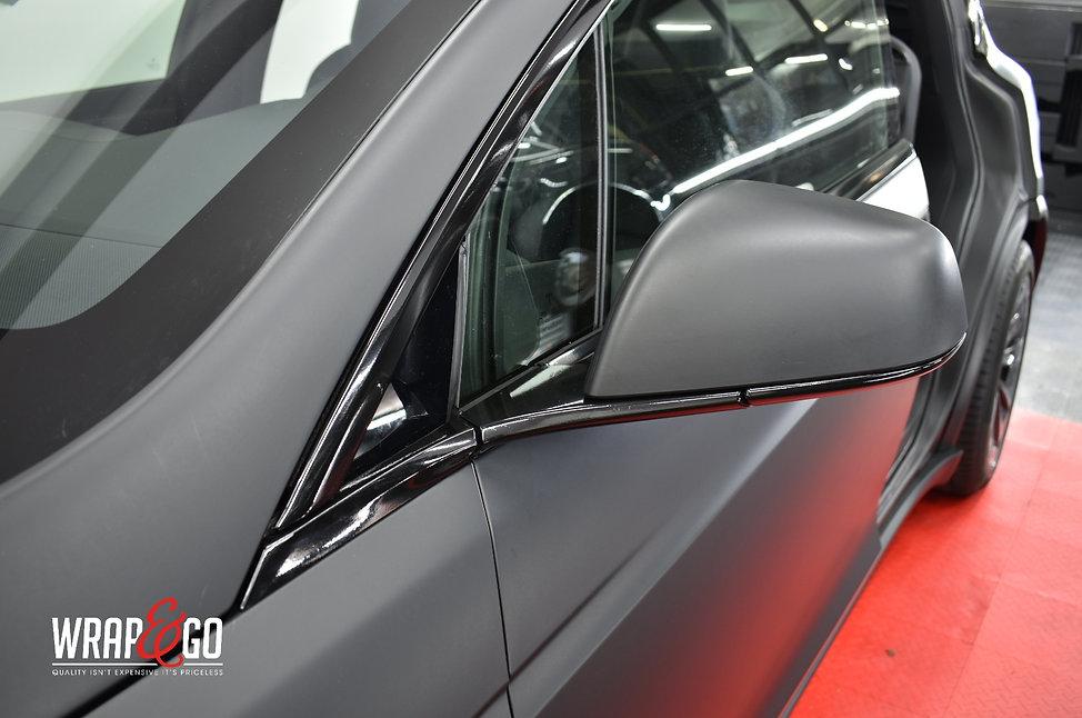 Tesla Model X 3M Matte Deep Black Wrap Mirror