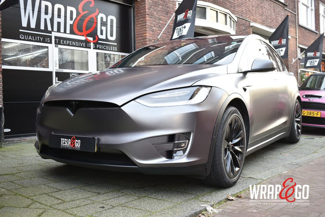 Tesla Model X 3M Satin Dark Grey Chrome