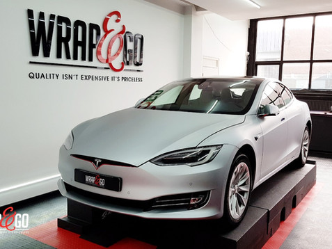 Tesla Model S 3M Satin Aluminium Carwrap