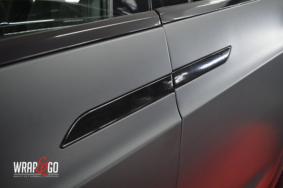 Tesla Model X 3M Matte Deep Black Wrap Doorhandle