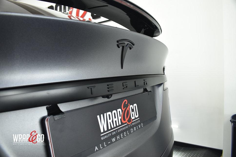 Tesla Model X Carwrap Dark Satin Grey Logo