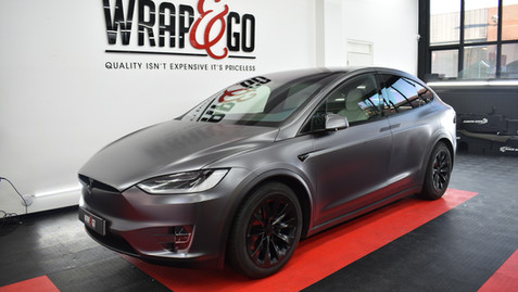 Tesla Model X 3M Dark Satin Grey Carwrap