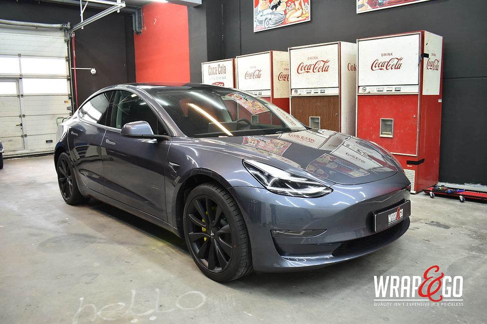 Tesla-model3-chrome-delete-remklauwen-spuiten