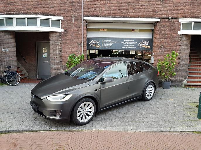 Carwrap Tesla Model X 3M Brushed Black Autowrap