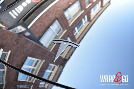 Tesla Model 3 Logo Wrap