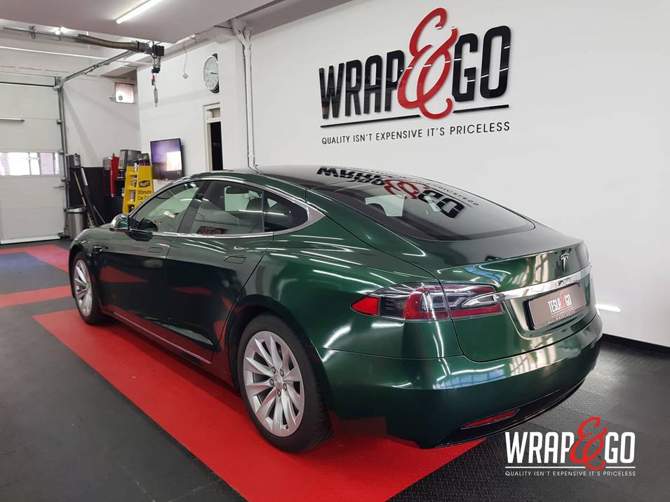 Tesla Model S Britsh Green APA auto wrap