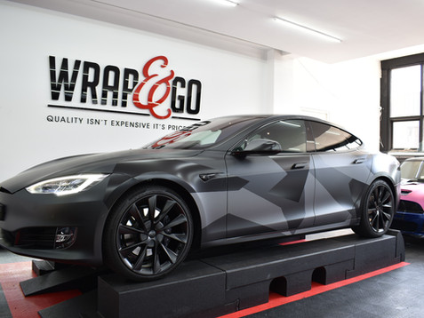 Tesla Model S Custom Camouflage Carwrap