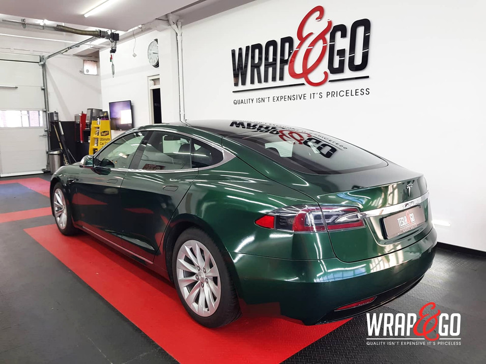 Tesla Model S Britsh Green APA auto wrap