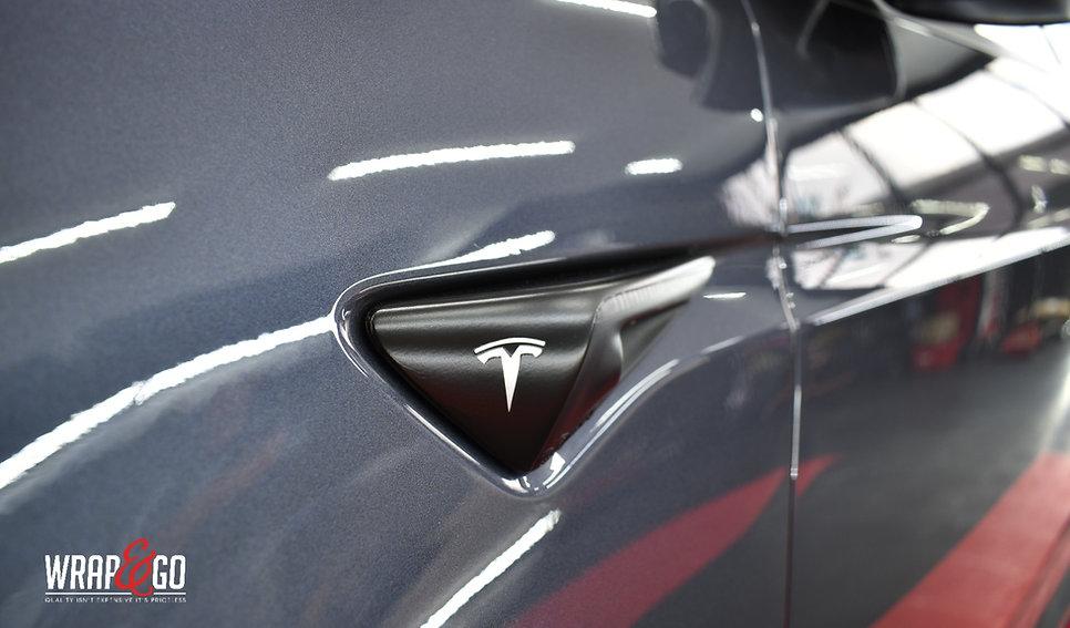 Tesla Model X Carwrap Knipperlicht