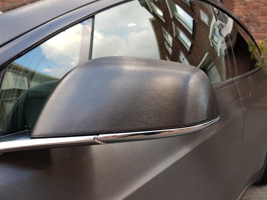 Tesla Model X 3M Brushed Black Spiegel