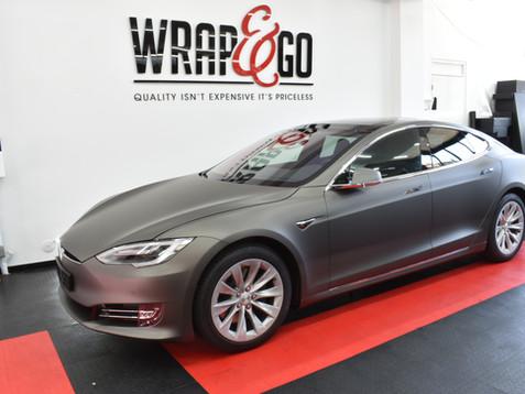 Tesla Model S 3M Mat Charcoal Carwrap