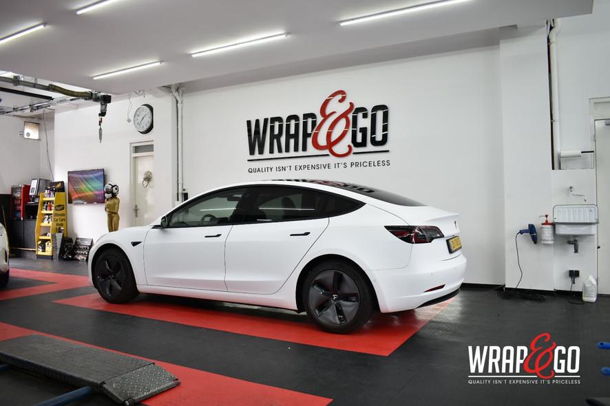 Tesla Model 3 3M Matte White Car Wrap