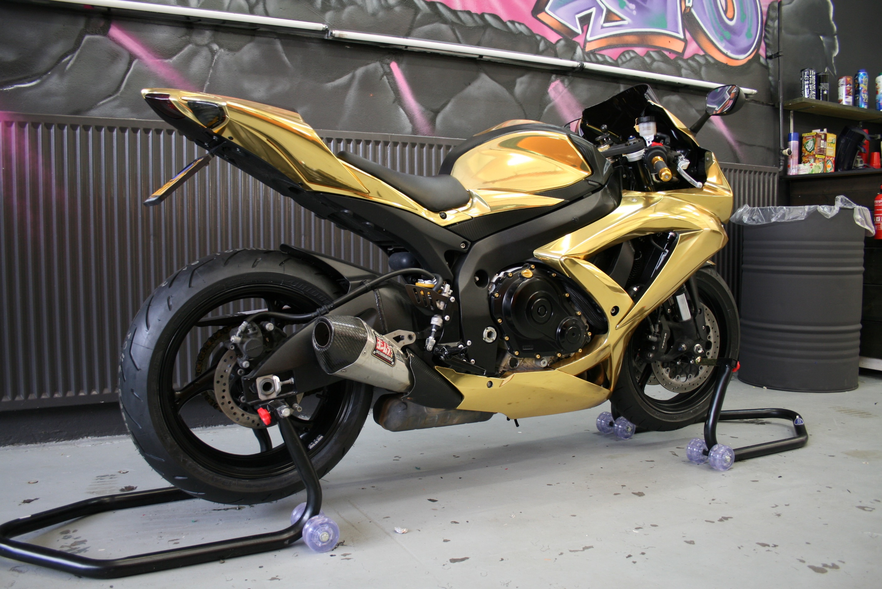 Motorwrap Chrome Gold Suzuki