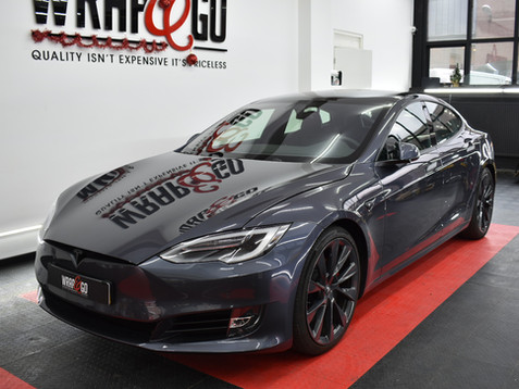 Tesla S 3M Matte Metallic Black Chrome Delete