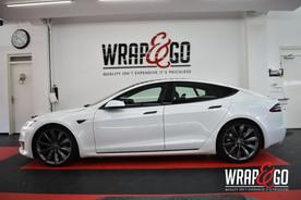 Tesla Model 3 Chrome 3M Delete Gloss Black