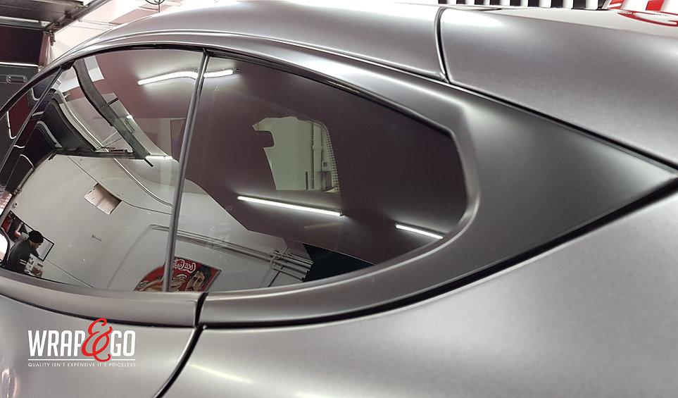 Tesla Mode S 3M Satin Dark Grey, satin black raamlijsten