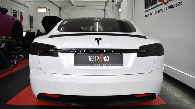 Tesla Model S kofferbak spoiler