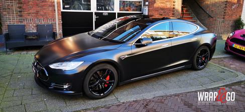 Tesla Model S car Wrap Satin Black