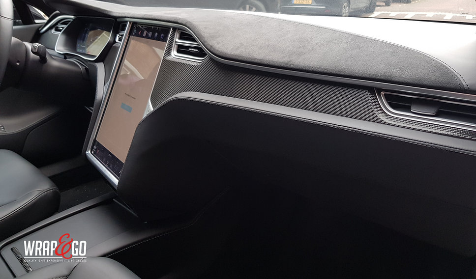 Tesla Model S Interieur wrappen carbon