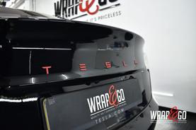 Tesla Model 3 Rode Letters