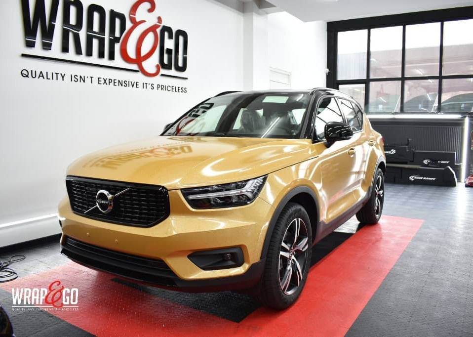 Volvo XC40 Avery Diamond Amber Wrap