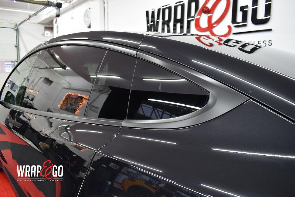 Tesla X Chrome Wrappen Zwart Raamlijsten