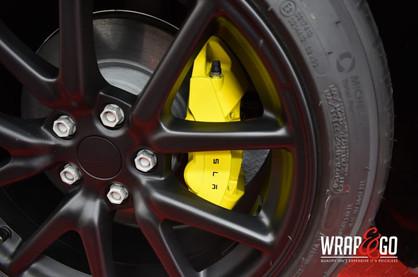 Tesla Model 3 Gele remklauwen, velgen ma