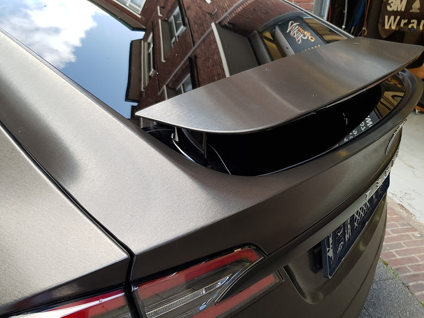 Tesla Model X 3M Brushed Black spoiler