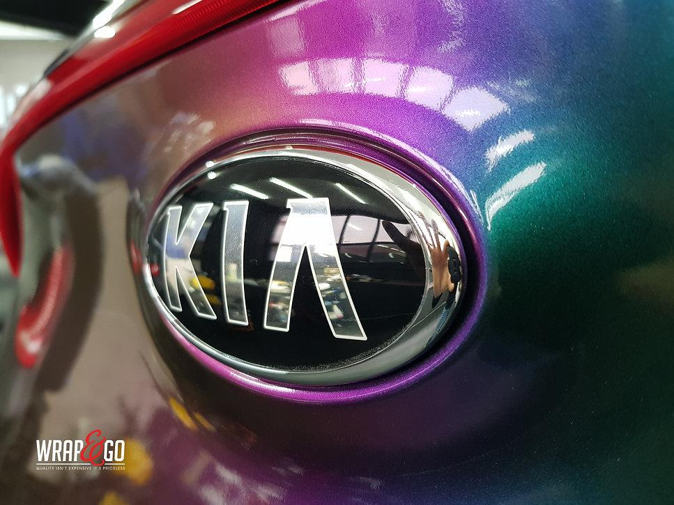 Kia Sportage Carwrap Avery ColorFlow door WrapAndGo logo